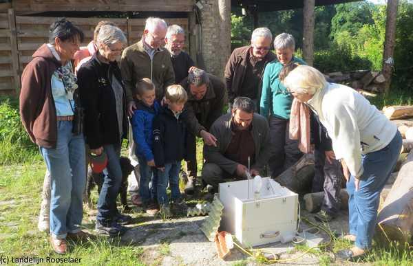 In de tuin van Dirk Raes: met als gewaardeerde gasten Herman Van Rompuy en familie